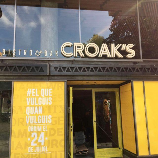 CROAKS3 640x640 - Rètols d' Empresa