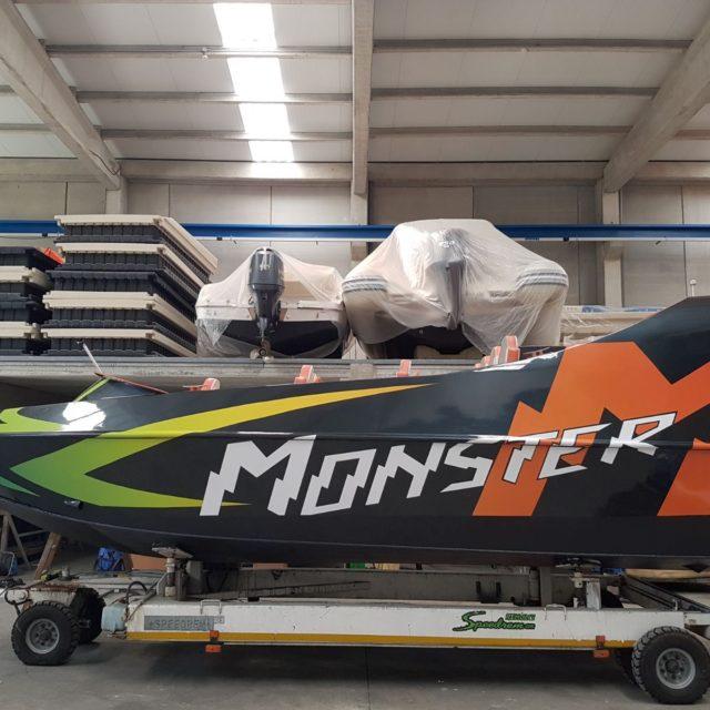 MONSTER2 640x640 - Embarcacions