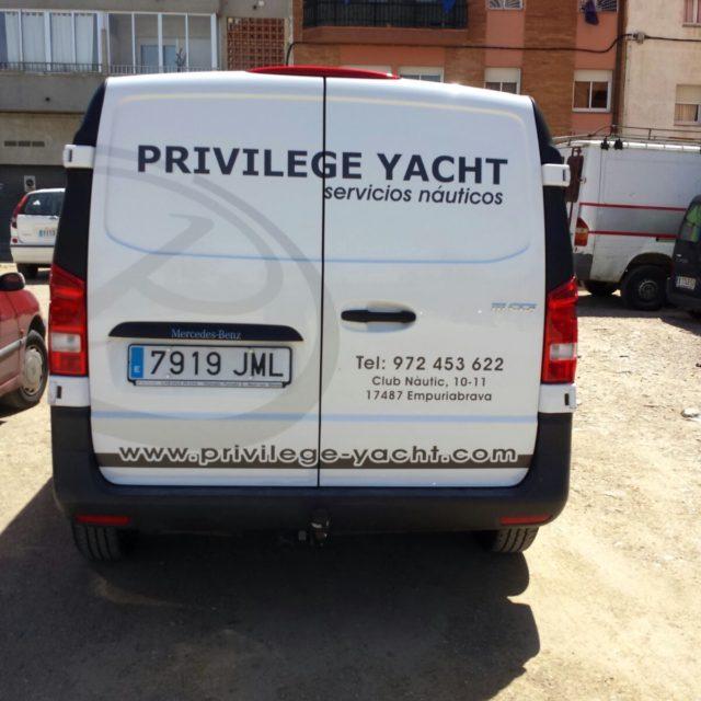 PRIVILEGEYACHT2 640x640 - Vehícles