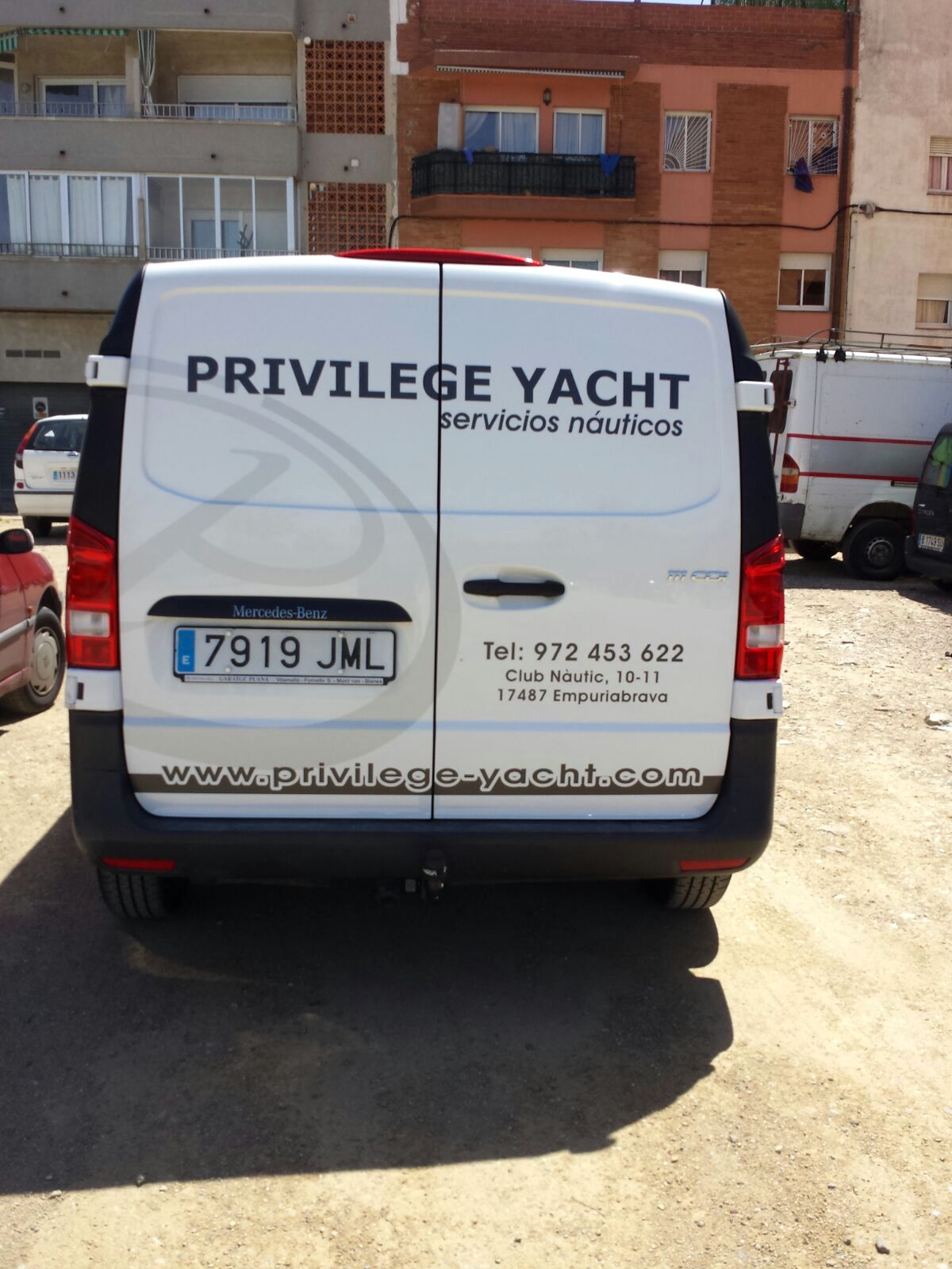 PRIVILEGEYACHT2 - Vehícles